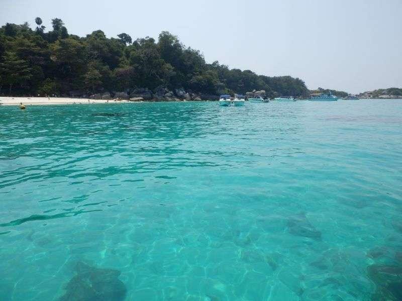 wieder weißer Sand und klares Wasser